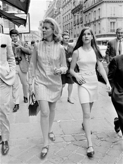 Betty Bacall with daughter Leslie Bogart in 1968