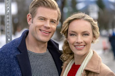 Hallmark Channel 'Marry Me At Christmas' Premiere: Meet