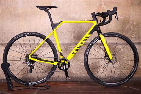 Review: Canyon Inflite CF SLX 8