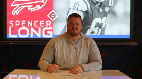 Bills sign free agent C-G Spencer Long to three-year deal