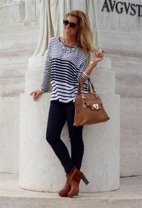 18 Street Style Outfit Ideas with Ankle Boots - fashionsy