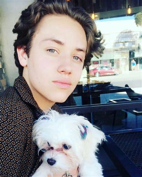 Ethan Cutkosky Height, Weight, Age, Affairs, Family