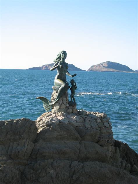 Daily Photos & Frugal Travel Tips » Blog Archive » Mermaid