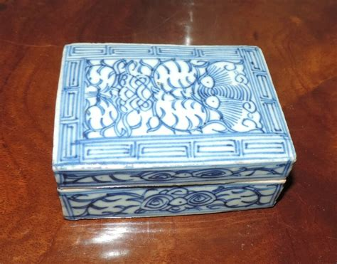 Antique Chinese Porcelain Rectangular Box & Cover Blue and
