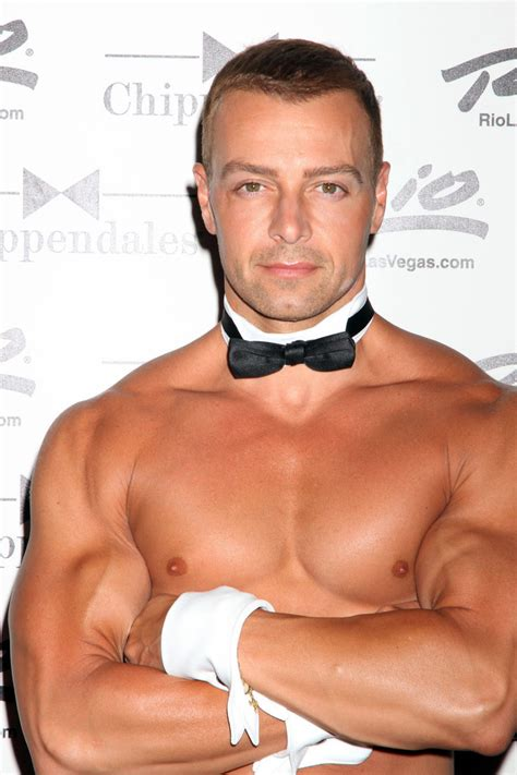 Joey Lawrence Photos Photos - Joey Lawrence Performs with