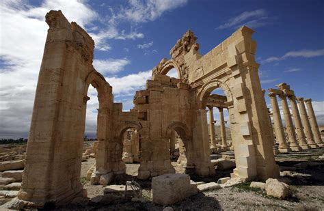 Islamic State erases rich history at Syria's ancient ruins