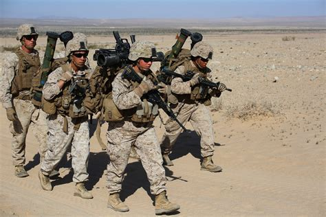 Experiment with Marines help military decide if women can